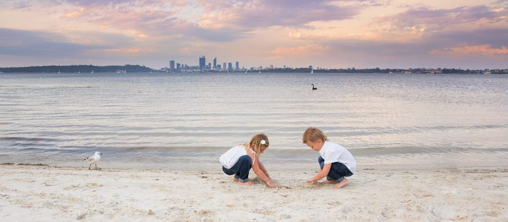 Behind the Scenes take a gorgeous photo of your kids at the beach